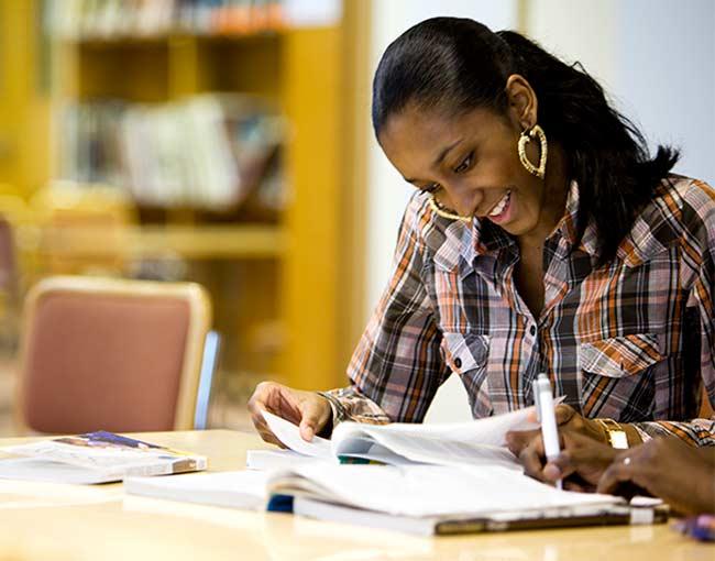 gainful-employment-regulations---higher-education_15427884992_o